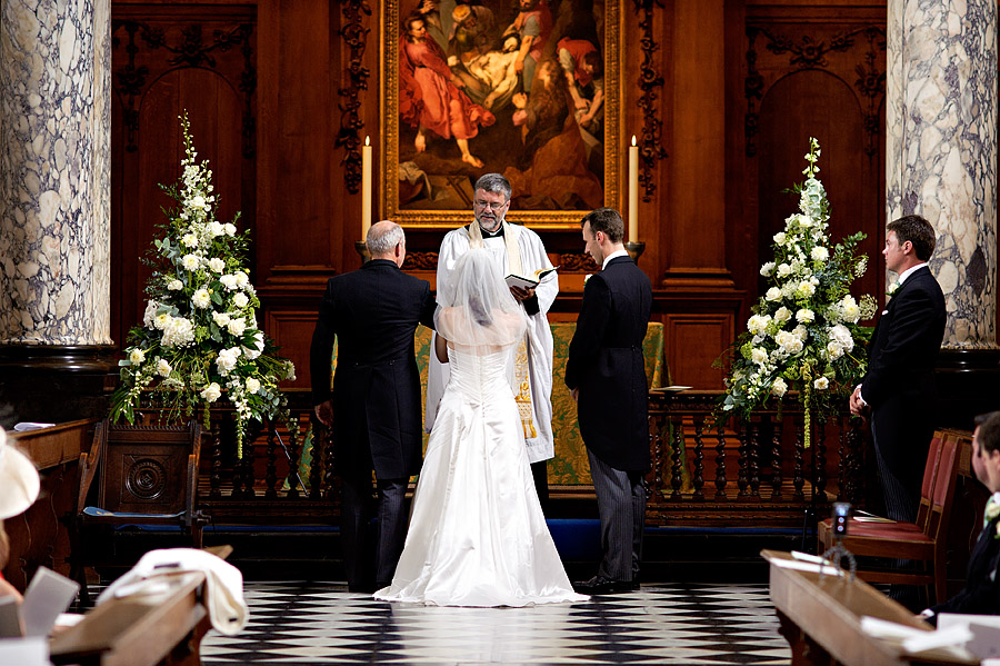 wedding at pembroke-college-37