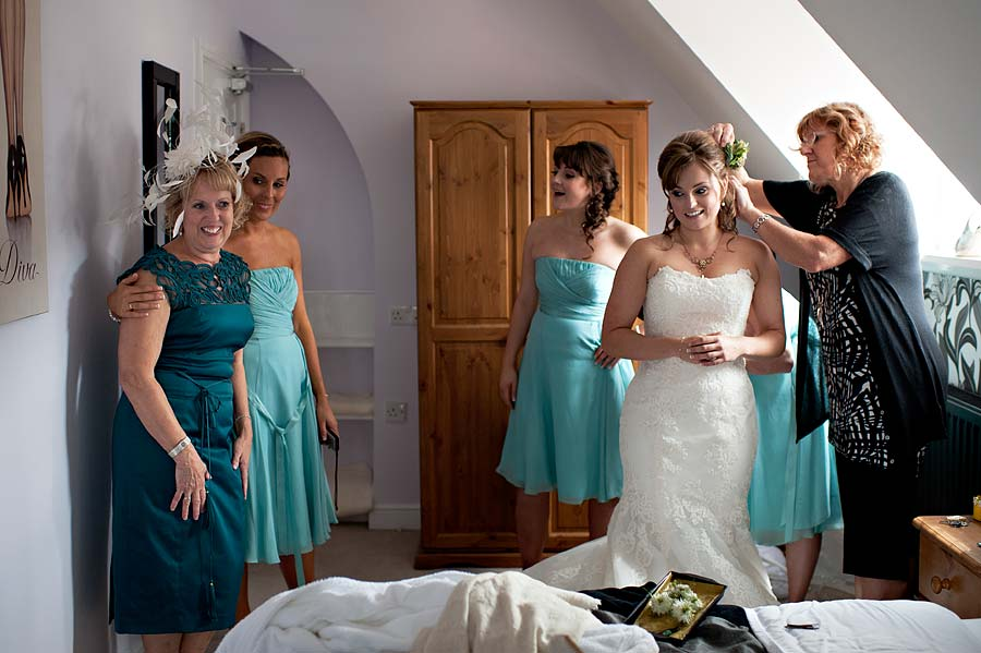 wedding at kingston-country-courtyard-12