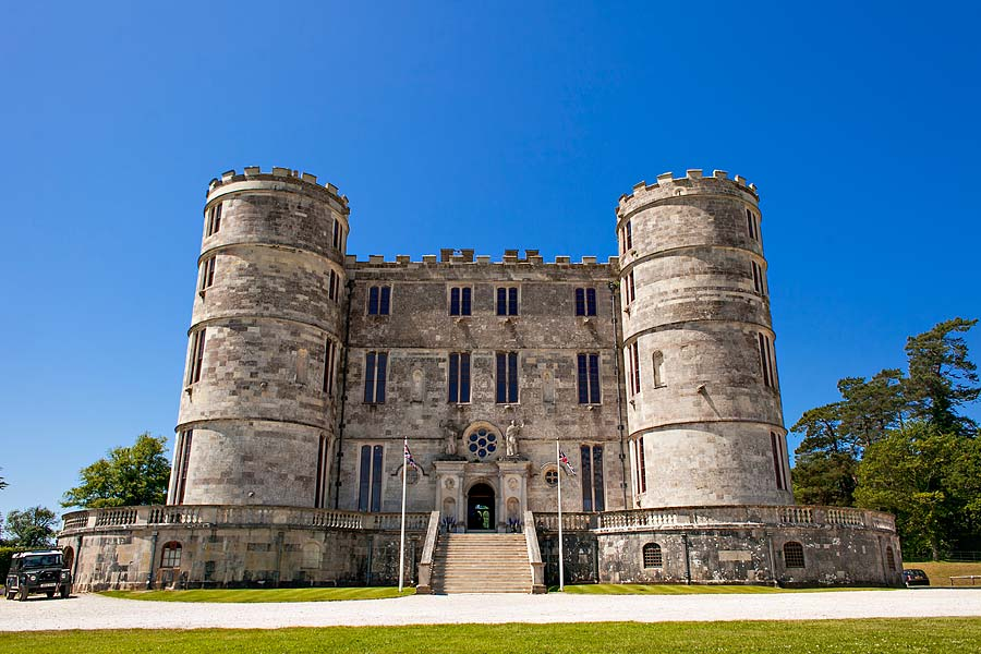 Lucy and neil lulworth castle wedding photography shootinghip
