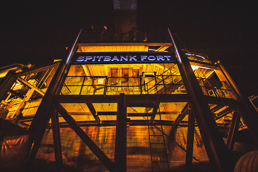 wedding at spitbank-fort-98