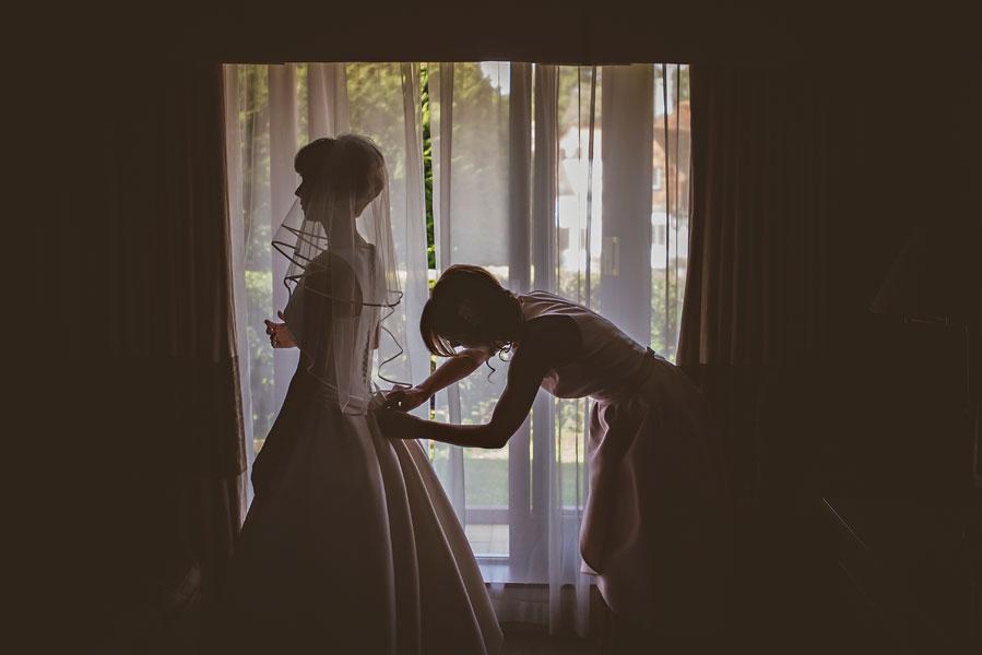 wedding at burford-bridge-11