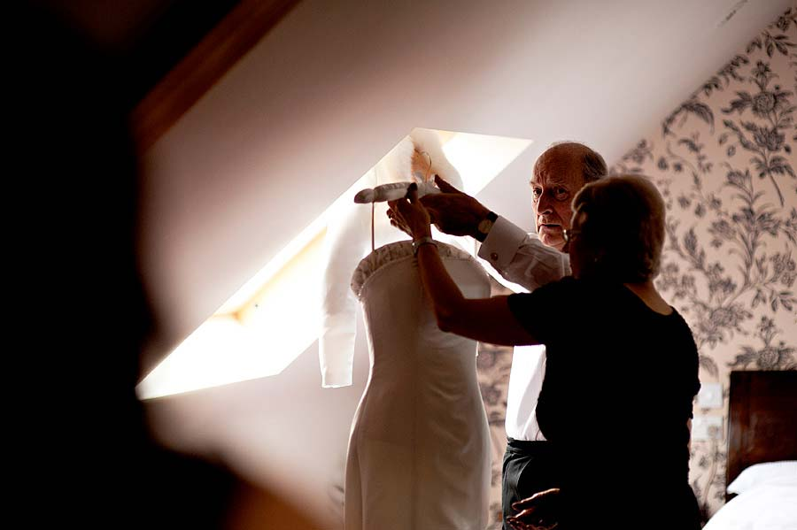 wedding at loseley-house-14