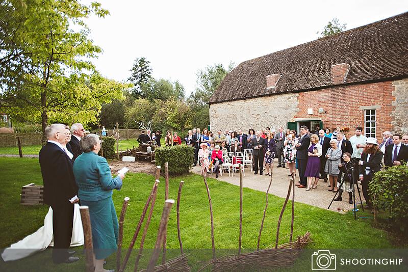 Hampshire Wedding Speeches Outside (32)